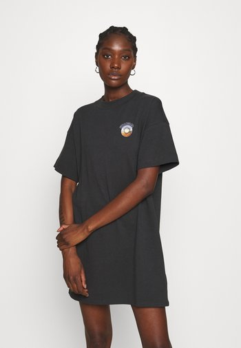 TEE DRESS - Vestido ligero - wornblack