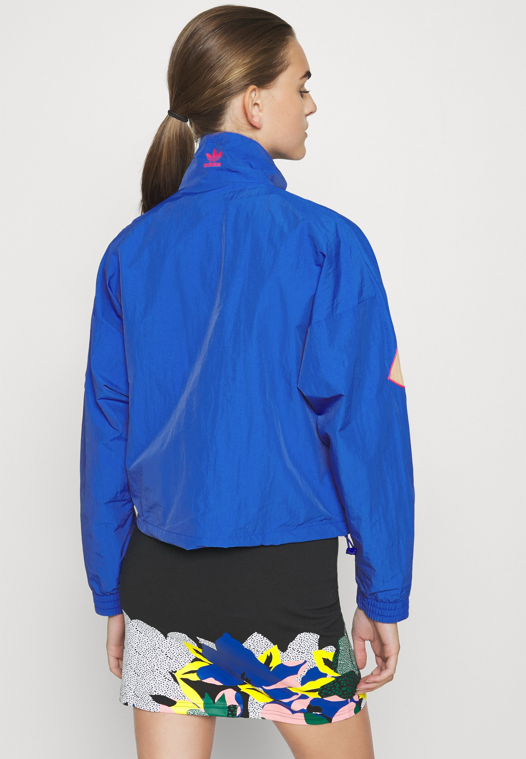 adidas Originals ADICOLOR SPORTS INSPIRED LOOSE TRACK - Veste de survêtement - team royal blue/trace khaki/power pink - Vestes Femme 32WfM