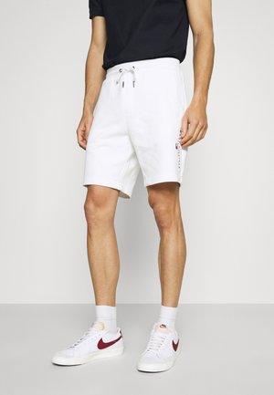 ESSENTIAL - Shorts - white