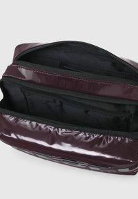 Diesel - FARAH II - Across body bag - dark violet - 3