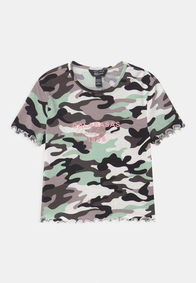 CAMO CALABASA - T-shirt z nadrukiem - khaki