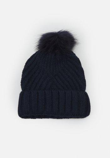 GEO BOBBLE HAT