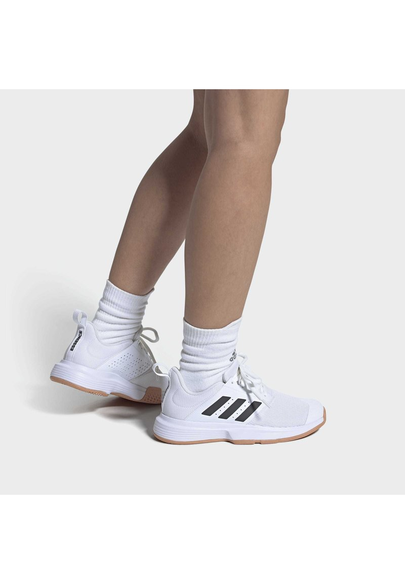 adidas Performance - ESSENCE INDOOR SHOES - Carpet court tennis shoes - white