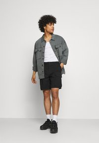 The North Face - SIGHTSEER - Shorts - black - 1