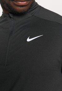 Nike Performance - T-shirt à manches longues - black/silver - 5