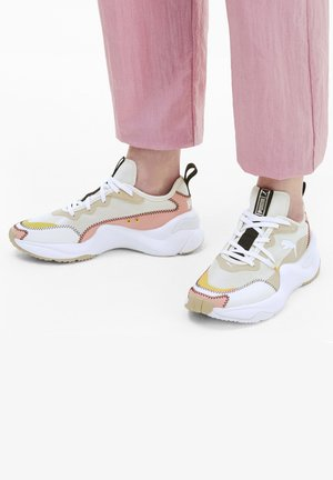 RISE EXTRAVAGANZA  - Trainers - marshmallow-pale khaki