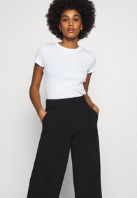 JDY - JDYGEGGO NEW LONG PANT - Pantalon classique - black - 3