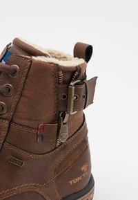 TOM TAILOR - Šněrovací kotníkové boty - rust - 5