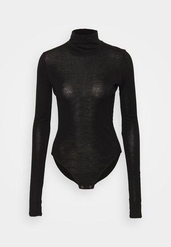 QUEENS HIGH NECK - Long sleeved top - black