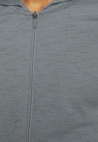 Nike Performance - Training jacket - smoke grey/iron grey - 4