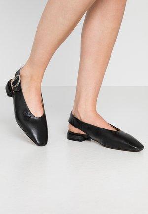 FARENI - Ballerina med hælstøtte - black malory