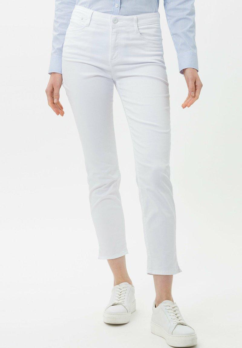 BRAX - STYLE SHAKIRA S - Slim fit jeans - white