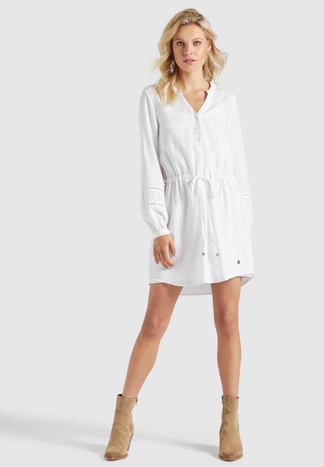 SORELTA - Korte jurk - weiß