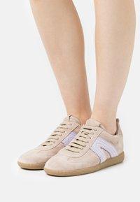 Copenhagen - CPH413 - Sneakersy niskie - beige - 0
