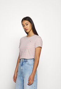 Tommy Jeans - ESSENTIAL STRIPE TEE - Print T-shirt - soft beige/multi - 0