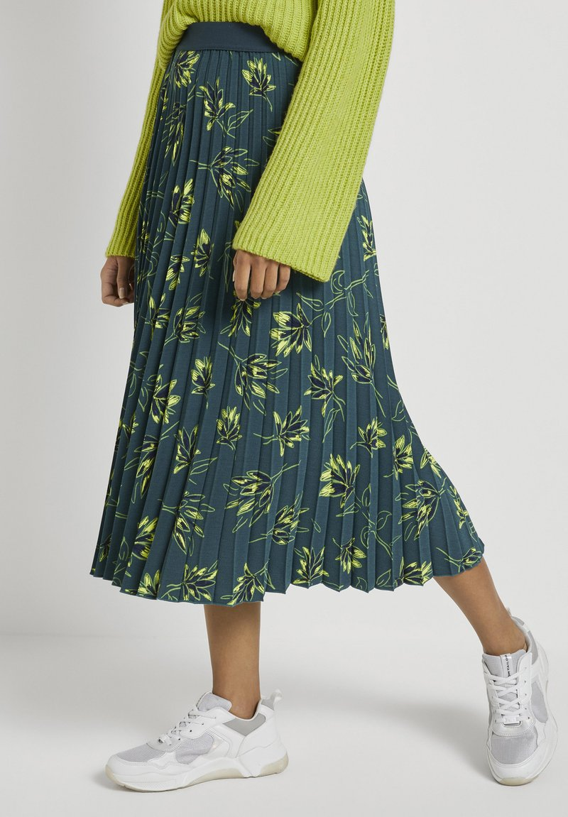 mine to five TOM TAILOR - Pleated skirt - deep green leaves design