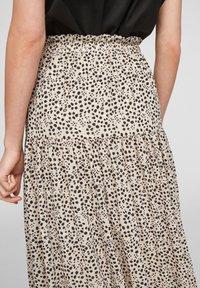 Q/S designed by - Maxi skirt - beige aop - 6