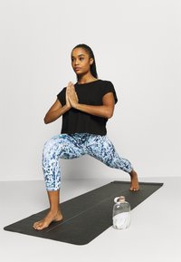 L'urv - TURN THE TIDE LEGGING - Leggings - blue - 1