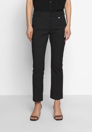 DRVIGGA PANTS TAYLOR FIT - Kalhoty - black