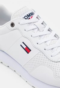 Tommy Jeans - LIFESTYLE LEA RUNNER - Sneakers basse - white - 5
