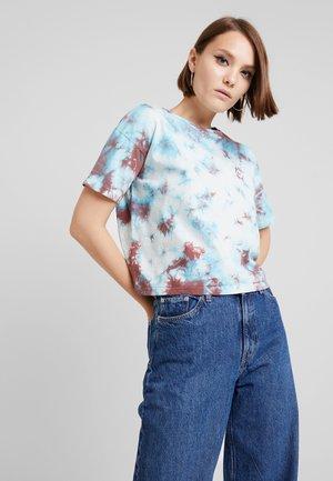 TIE OR DYE TEE - Print T-shirt - turquoise