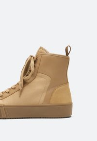 Uterqüe - Sneakers hoog - nude - 4