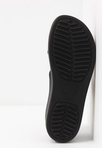 Crocs - BROOKLYN MID WEDGE - Tøfler - black - 6