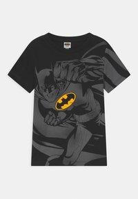OVS - BATMAN - Print T-shirt - black beauty - 0