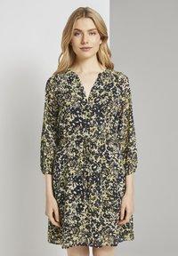 TOM TAILOR - Robe chemise - yellow flower design - 0