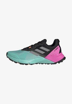TERREX SOULSTRIDE - Trail running shoes - green