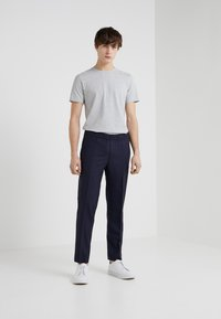 Filippa K - TEE - Basic T-shirt - light grey - 1
