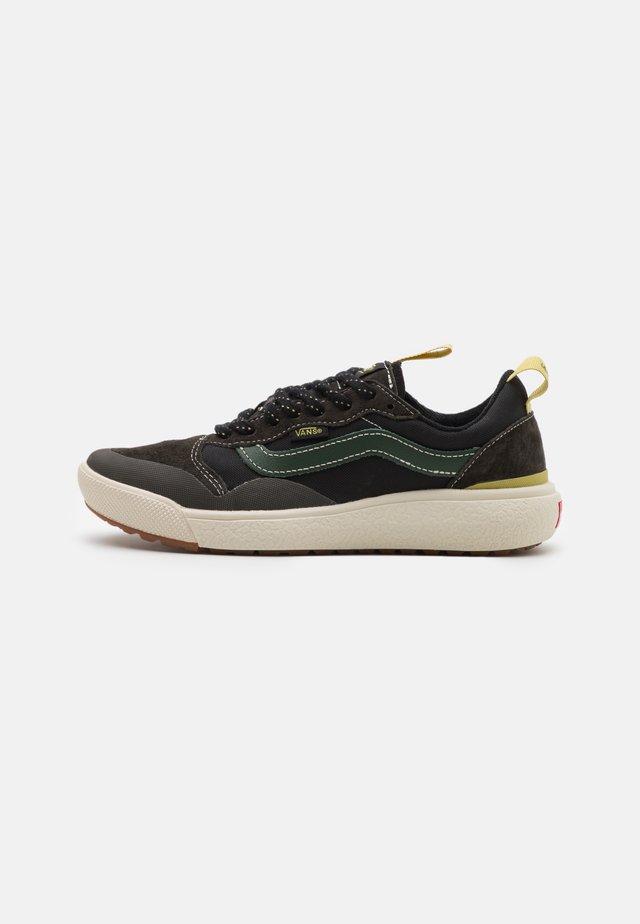 ULTRARANGE EXO MTE UNISEX - Zapatillas altas - black olive/black