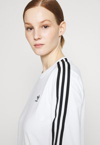 adidas Originals - Long sleeved top - white/black - 3