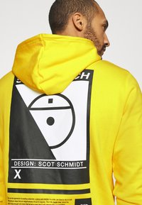 The North Face - STEEP TECH LOGO HOODIE UNISEX - Hoodie - lightning yellow - 5
