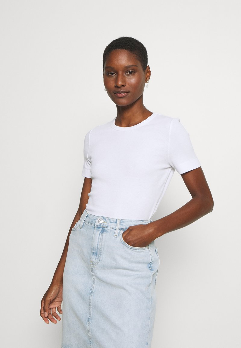 Tommy Hilfiger - ESSENTIAL SKINNY TEE - Basic T-shirt - white