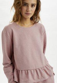 Cream - CRTALLI - Sweatshirt - woodrose melange - 0