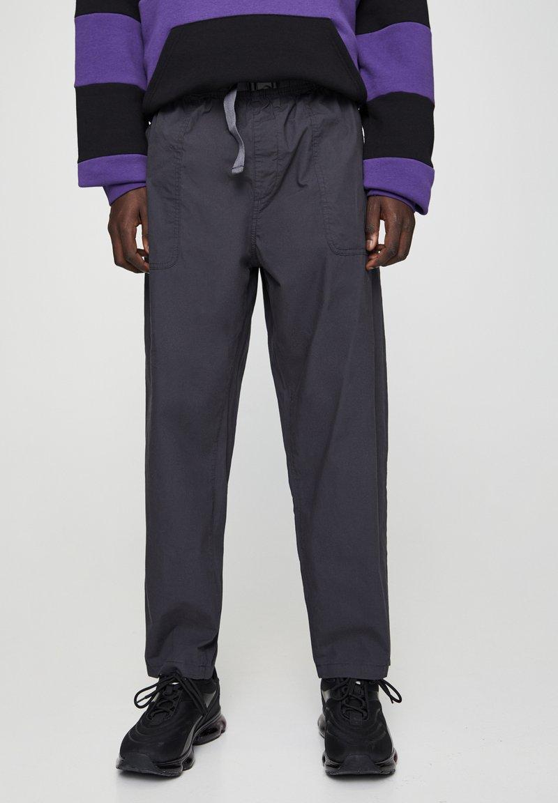 PULL&BEAR - Trousers - black