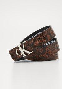 Calvin Klein Jeans - SKINNY MONO - Pasek - brown - 2