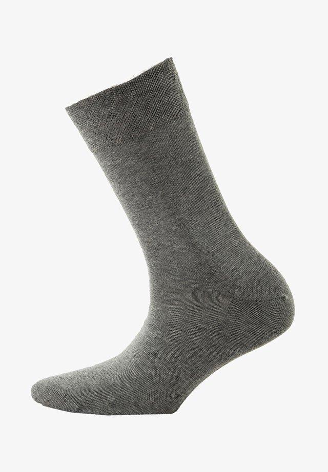 ONEPAAR - Socks - grau