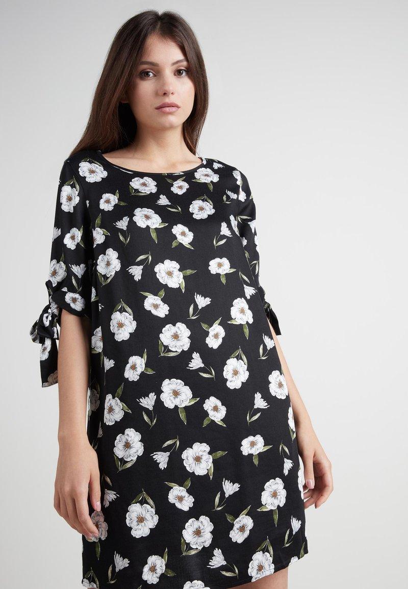 Tezenis - MIT KNOTEN - Day dress - nero st.magnolia