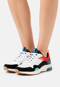 Skechers Sport - BOBS PULSE AIR - Trainers - white/black/red - 0