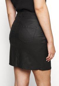 Vero Moda Curve - VMSEVEN SHORT SKIRT - Mini skirt - black - 5