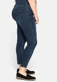 Sheego - Slim fit jeans - dark blue denim - 3