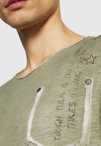 Key Largo - ENDEAVOUR ROUND - Maglietta a manica lunga - khaki - 4