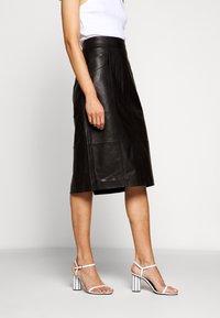 Proenza Schouler White Label - LIGHTWEIGHT PENCIL SKIRT - Pouzdrová sukně - black - 0