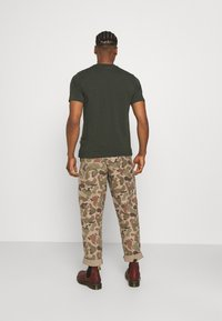 Dickies - MAPLETON - Basic T-shirt - olive green - 2