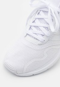 adidas Originals - SWIFT UNISEX - Matalavartiset tennarit - footwear white - 5