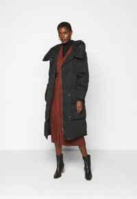 Object Tall - OBJLOUISE LONG JACKET - Down coat - black - 1