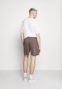 BDG Urban Outfitters - JOGGER UNISEX - Shorts - nut brown - 2