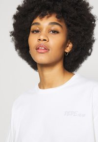 Pepe Jeans - APRIL - Print T-shirt - oyster - 3